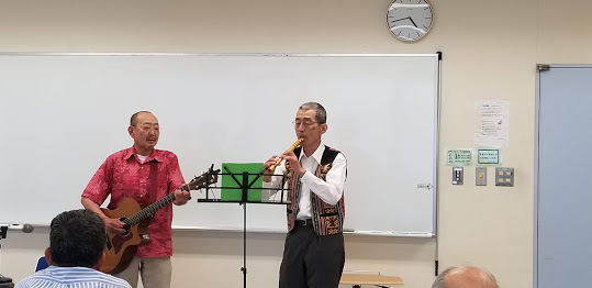 CWSCの軽音楽部によるアコースティック楽器演奏