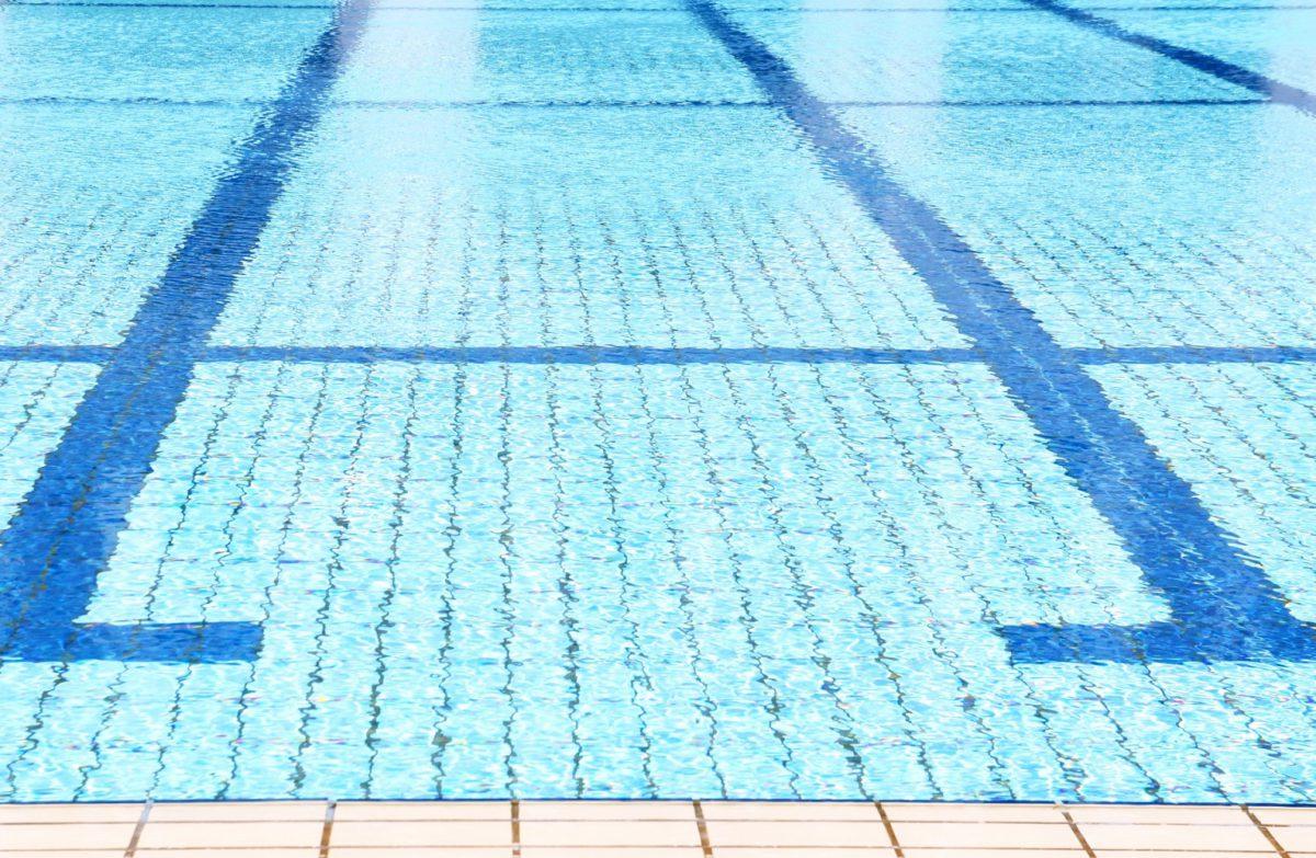プール循環配管での漏水調査を実施