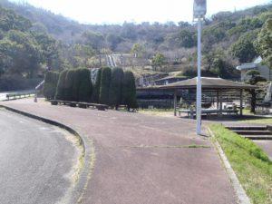 広大な公園で漏水が発生
